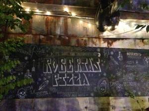 Robertas-pizza-bushwick-NY-1